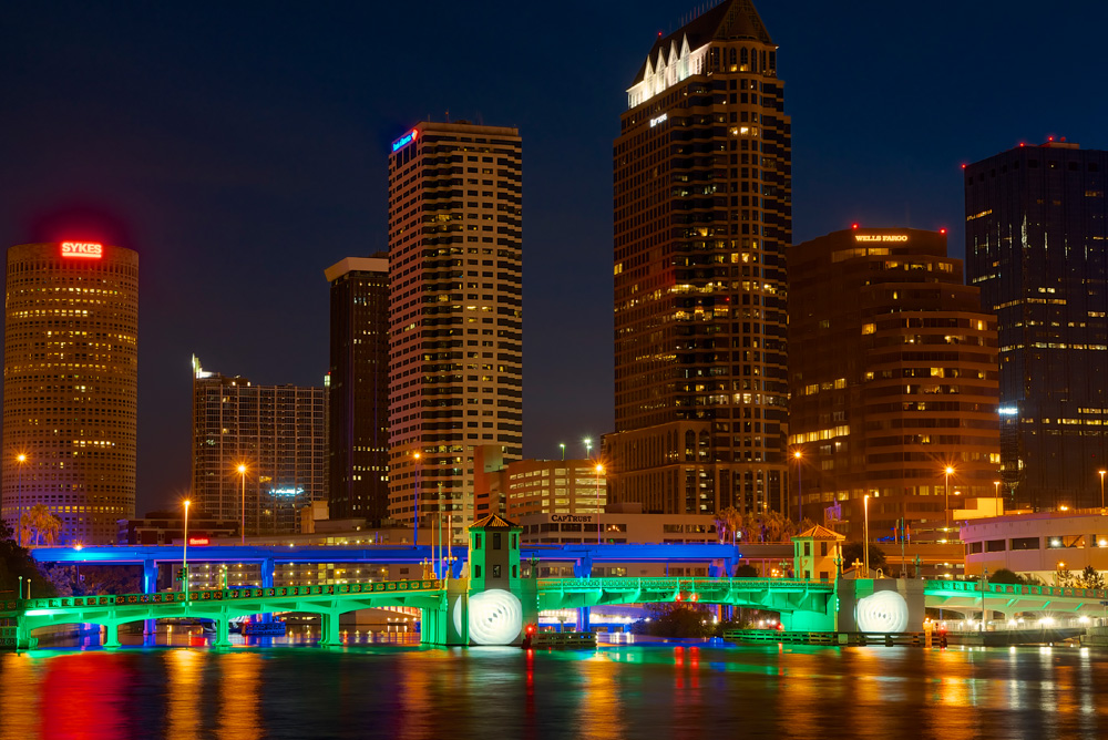 The lighting of Tampa's bridges